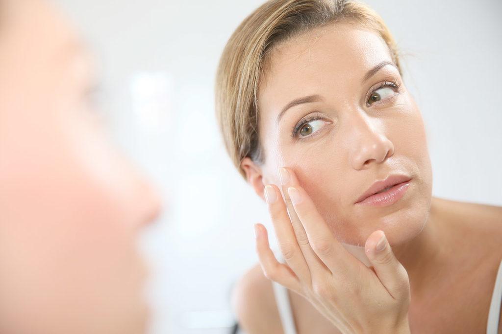 acido ialuronico viso donna